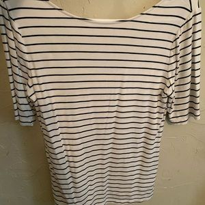 Stripped T-shirt with low back
